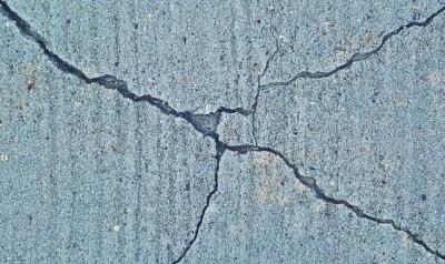 Earthquake Cracks